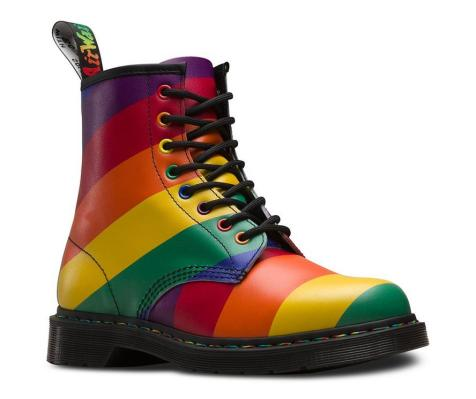 dr-martens-orgullo-gay-latest-hunting.jpeg