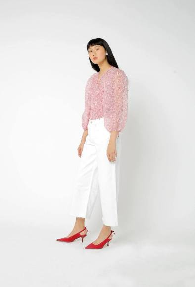 cordelia-blouse-white-and-red-shrimps-mangas-abullonadas